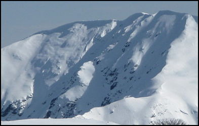 the superb east face of Feathertop